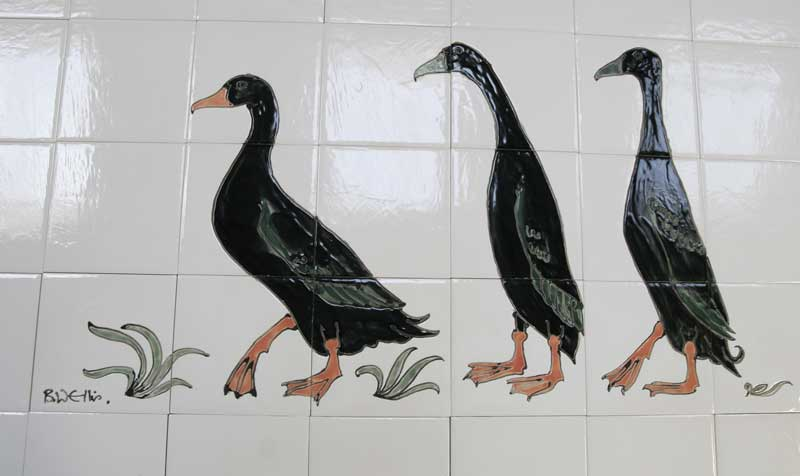 Runner ducks kitchen tile panel